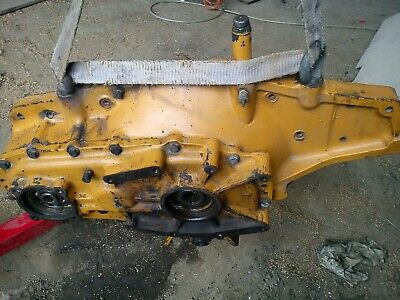 Cloche de transmission Pelleteuse / Excavator Bell housing Komatsu PC360