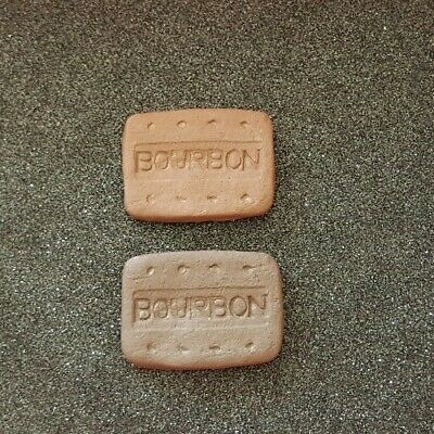 Very realistic novelty strong magnet. Set of 2 Bourbon biscuit fridge magnets