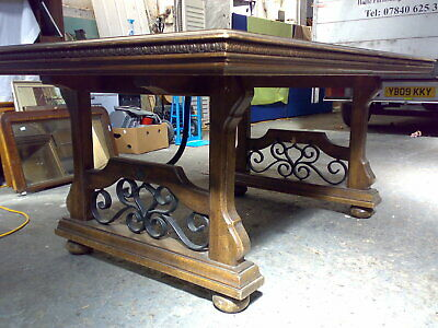 Large Solid wood oak extending dining table