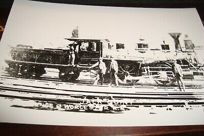 Vintage Rppc Providence &Worchester    Engine   And Crew
