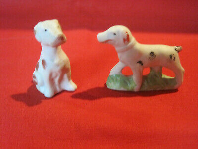 2 vintage bisque hunting dog figurines, retriever pointer dog figurines, Japan