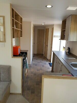 Caravan to let 3/4 day   sleeps 8. Weymouthbay, haven site 5star parking .