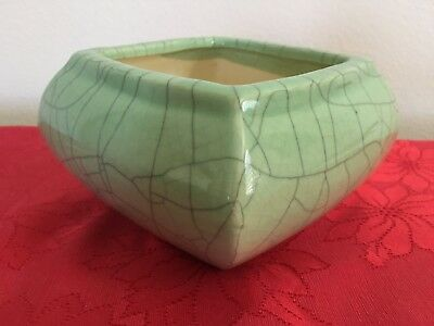 Chinese Green Crackle Glaze Bowl (Old Square Celadon Porcelain Crazing China)
