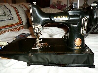 1955 Singer Featherweight 221 Vintage Sewing Machine # AL946956 w case & extras