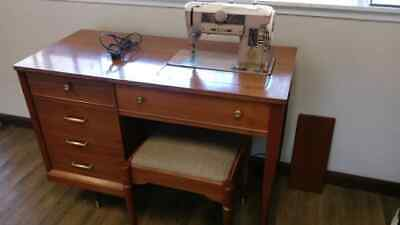 """1957 Singer 401A """"Slant-O-Matic"""" Sewing Machine in Mid-Century Modern Cabinet wi"""