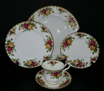 Royal Albert OLD COUNTRY ROSES 5 Piece Place Setting