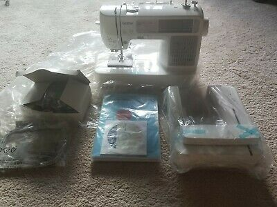 New Never Used Brother Sewing Machine Embroidery SE425