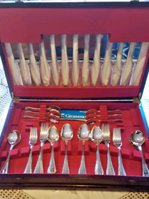 Vintage Grosvenor Silver Plated six person Cutlery Set in vinatge timber canteen