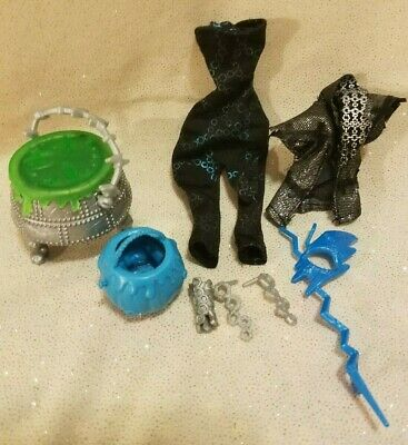 Monster High Doll Frankie Stein Ghouls Rules Jewelry Purse Jacket Outfit GUC!