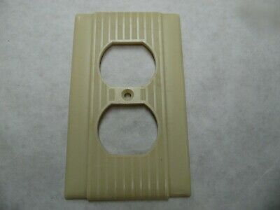 Vintage Duplex Receptacle Plate Bakelite? P&S / Uniline Ribbed & Striated