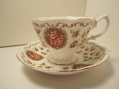 "Royal Albert English China Cup&Saucer ""Cameo Series Heirloom"" White Brown"