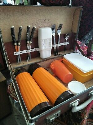 Vintage Retro Kitsch Picnic Set Traveller Suitcase