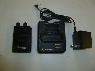 Motorola Minitor IV Stored Voice 151-158.9 Mhz VHF Fire EMS Pager w Charger r614