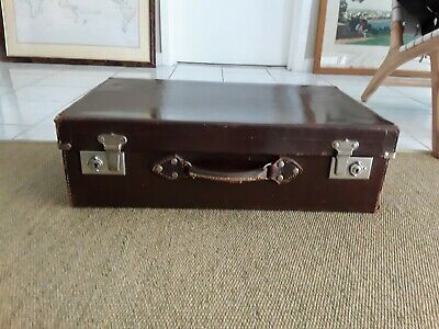 Vintage Brown Leather Suitcase. Medium size clean satin lining  pick up Chelsea
