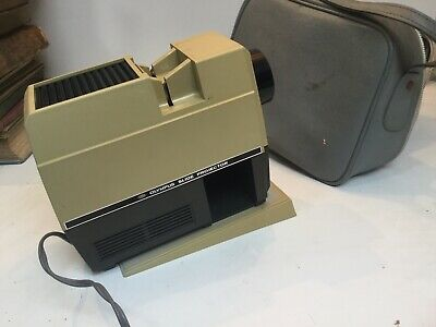 Small Compact Olympus Slide projector In Case
