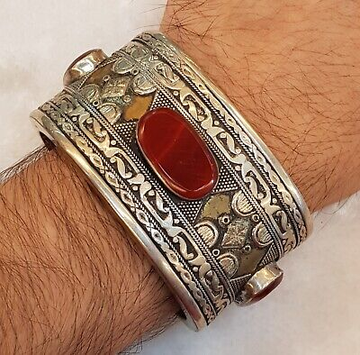 Old Silver Wonderful Vintage Bangle / Cuff  With Beautiful Natural Agate Stone