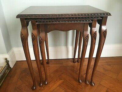 Vintage nest of 3 burr walnut occasional tables in good condition