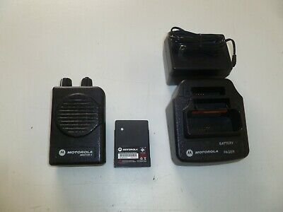 Motorola Minitor V 470-478 MHz UHF Stored Voice Fire EMS Pager w Charger y347