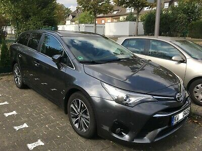 Toyota Avensis TouringSports 1.6D-4D BusinessEdition SafetySense Leder PanoramaD