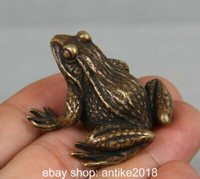 4CM Old Chinese Bronze Copper Feng Shui Frog Animal Statue Sculpture