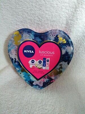 Nivea Luscious Lip Moments
