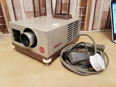Pradovit Leitz Auto Colour Projector With Wired Remote Vintage