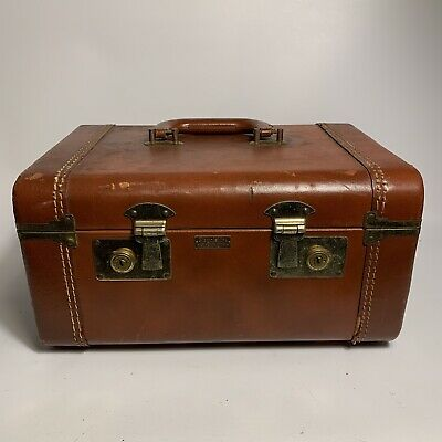 Antique Royalshire Ever-Wear Leather Travel Cosmetic Train Case W/ Lock & Key