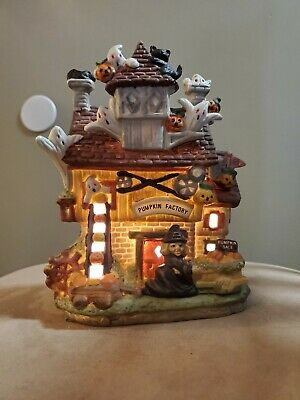Porcelain HALLOWEEN HAUNTED HOUSE Hand Painted Village in Box Vtg 1994