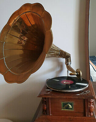 His masters voice 1934 Gramophone