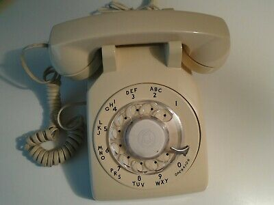 BELL SYSTEM ROTARY DIAL TELEPHONE WESTERN ELECTRIC cs 500 dm BEIGE DESK PHONE