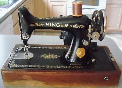 Antique Singer Sewing Machine 1936 Model 99 Bentwood Case Working AE280209