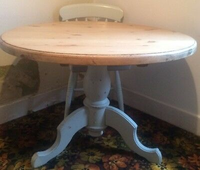 Antique Vintage Solid Pine Wood Round Table With Solid Tri Base Pedestal Country