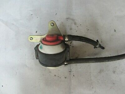 Vespa Lx50, Lx150 (And More) Oem Air Canister With Valve 576468-1 576469-10