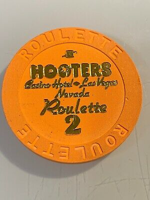 HOOTERS ROULETTE Casino Chip Las Vegas Nevada 3.99 Shipping