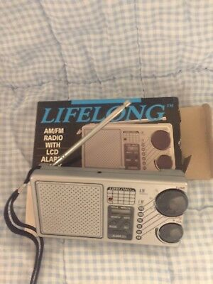 Vtg Lifelong M-845 Am/Fm Radio With Lcd Alarm Clock Works In Good Condition