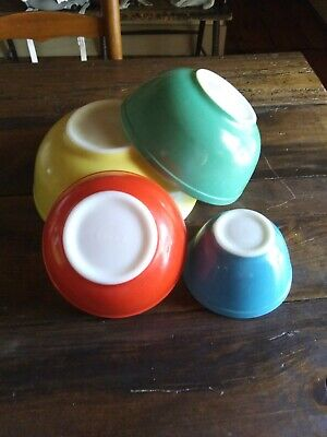 Vintage PYREX Primary Colors Full Set / 4 Mixing / Nesting BOWLS