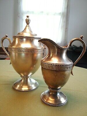 Middletown Plate Co. Pitcher And Urn Set