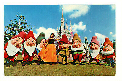 Postcard WALT DISNEY WORLD Greetings from Snow White & the Seven Dwarfs. D2