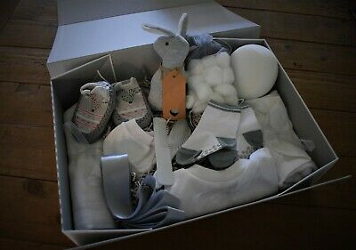Baby Grey/White Unisex/Boy/Girl LARGE 12 ITEMS Gift Hamper Shower Keepsake Box