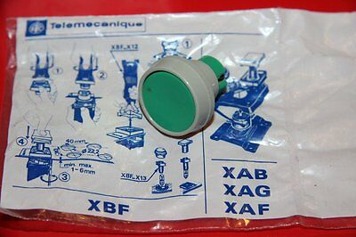 Telemecanique Xbf-A 113 Push Button, Green Xbf a 113 New