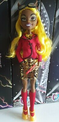 Monster High Doll Frights Camera Action Clawdia Wolf