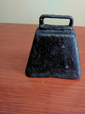 VINTAGE 2-1/2 INCH STEEL COW BELL WITH IRON CLAPPER  great condition