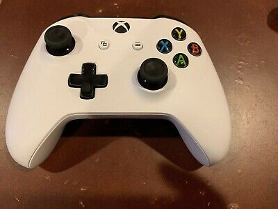 XBOX One S Wireless Controller Model 1708 White Pre-owned