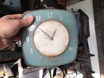 RARE SMITHS SECTRIC ART DECO Duck Egg Blue BAKELITE ELECTRIC WALL KITCHEN CLOCK