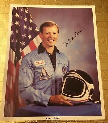ASTRONAUT ROBERT GIBSON HAND SIGNED/AUTOGRAPHED  NASA SPACE SHUTTLE PHOTO 8x10