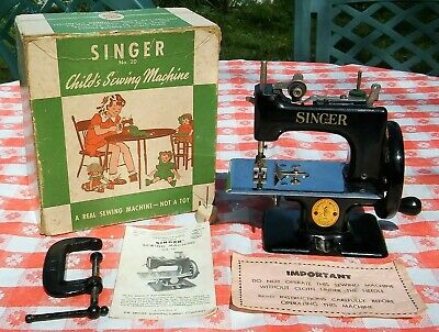 1950's Singer 20 Child's Sewing Machine with Box, Clamp, 2 Needles & Manual