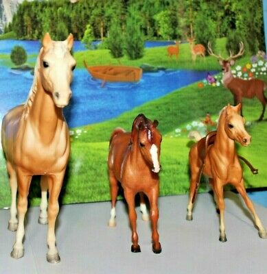Horses Vintage Breyer Molding Co. Mare & Foal Nice Condition