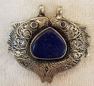 Beautiful Old Silver Wonderful Love Fish Vintage Pendant with Lapis lazuli Stone