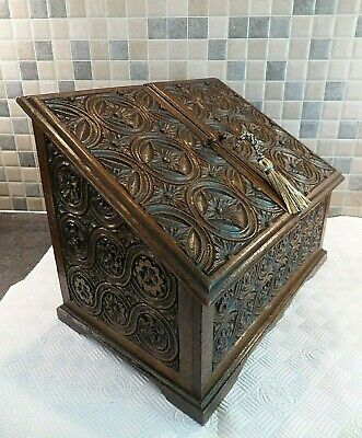 LOVELY VICTORIAN 19thC HAND CARVED SOLID OAK STATIONERY/ DOCUMENT BOX- LOCK+ KEY
