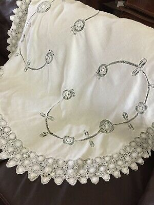"""Vintage Linen Cutwork Tablecloth Oval Lovely 52"""" X 54""""."""